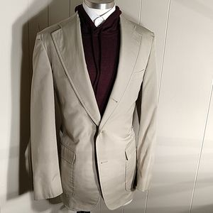 Brooks Brothers Traditional 2 & 1/2 Button